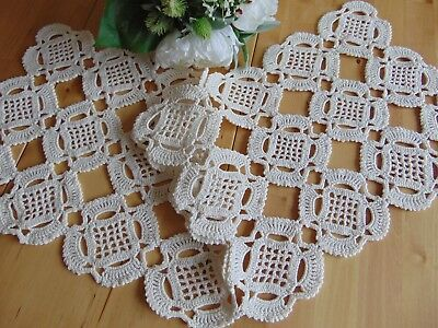 VINTAGE HAND CROCHETED CREAM-WHITE HEAVY COTTON RUNNER 80 x 28 1/2 cm (G3)