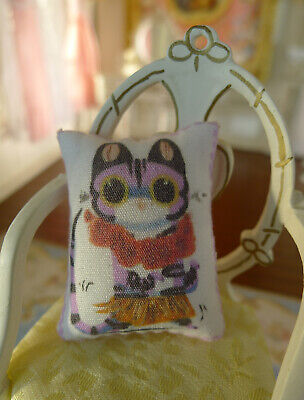 Dollhouse Cute Decorated Lovely Kitten Miniature Pillow 1/12 Scale