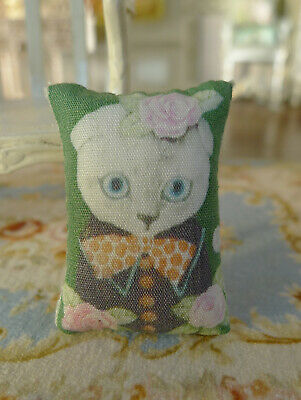 Lovely Beautiful Decorated Roses Cute Kitten Miniature Dollhouse Pillow 1/12