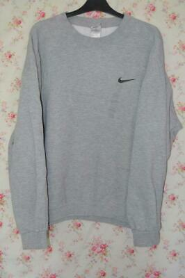 vintage 90s00s nike t shirt, colour of tee is Depop