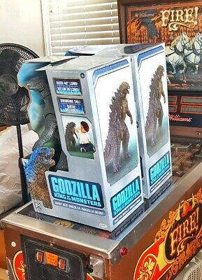 "Godzilla King of the Monsters 2019 Jakks Pacific Giant Size 24""  over 40 "" long"