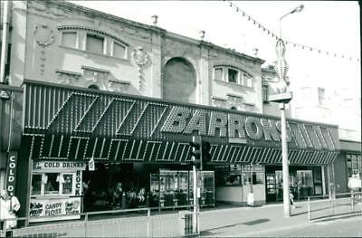 Yarmouth: Beach and Seafront: Barrons Arcade - Vintage photo