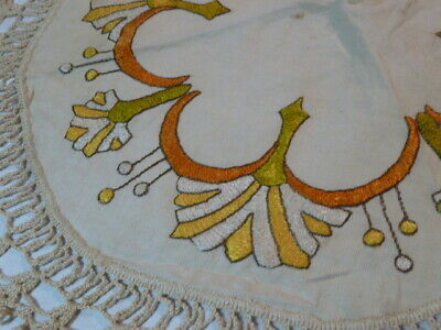ANTIQUE ARTS & CRAFTS MISSION STYLE  EMBROIDERED LINEN Table Topper DOILY