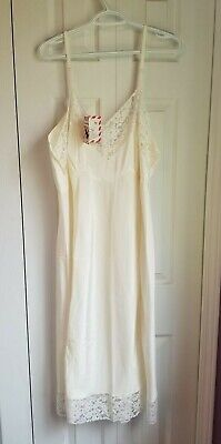 353b097a0 NWT NEW White Lace Vintage