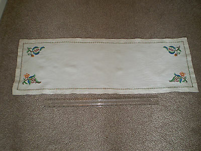 Vintage Cream Linen Table Runner  Hand Embroidered Raised Floral Pattern