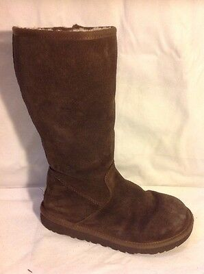 Girls UGG Australia Brown Suede Boots Size 2