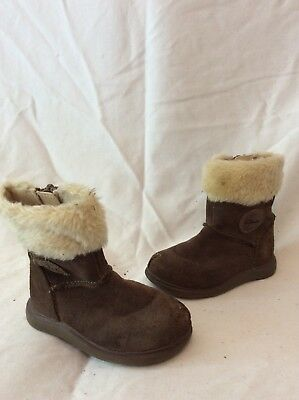 Girls Clarks Brown Suede Boots Size 4.5G