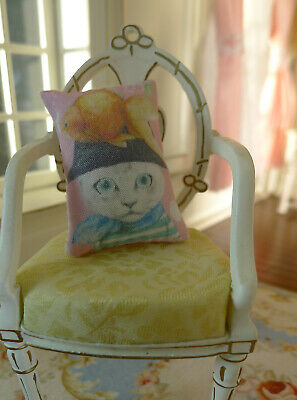 1/12 Dollhouse Miniature Pillow Cute Lovely Disguised Kitten