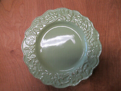 """Tabletops CHARLOTTE CHARTREUSE Dinner Plate 11"""" Scalloped  3 available"""