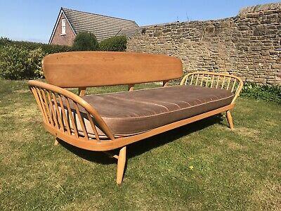 Blonde Ercol Daybed /Studio couch with original cushions mid century vintage