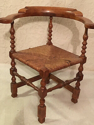 Outstanding American Antique 18th Century Maple Corner Chair-Must see!!!