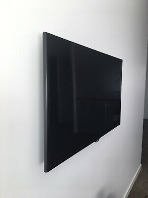 Samsung 40 inch LED HD TV 1080p with wall mount