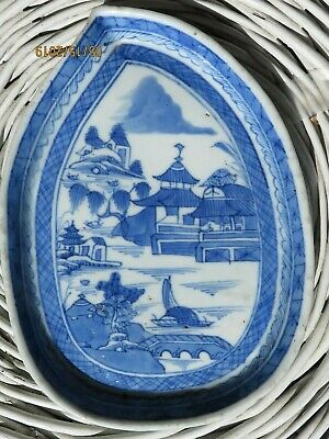 Antique QING DYNASTY Chinese EXPORT Blue White PORCELAIN CANTON leaf tray