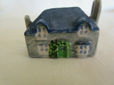 Vintage Miniature Cottage. Porcelain. Hand painted. Made in England
