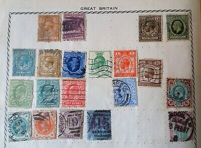 Green TRIUMPH STAMP ALBUM containing approx 1000 worldwide stamps.