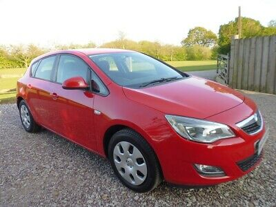 10/60 Vauxhall Astra Exclusiv 113 5dr Manual petrol 92k Red