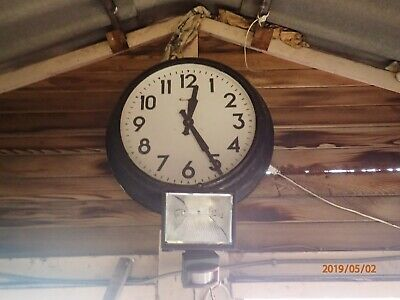 "Gents Clock Industrial Vintage Antique Railway 24"" Diameter 240 Volts"