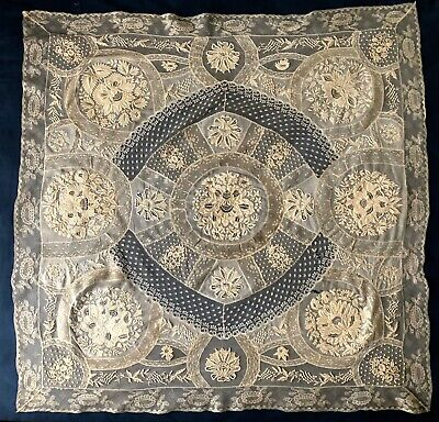 Exceptional vintage Normandy lace piecework French fond de bonet COLLECTOR