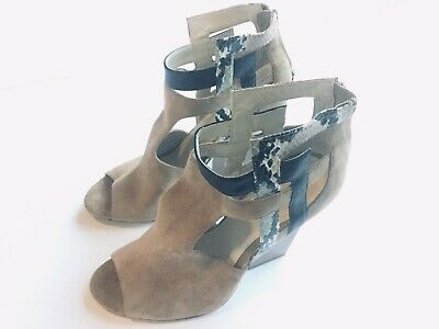 5a3f75a542 Calvin Klein Sandals 7 Tan Straps Wedge Women's Size 7 m Leather Bottoms