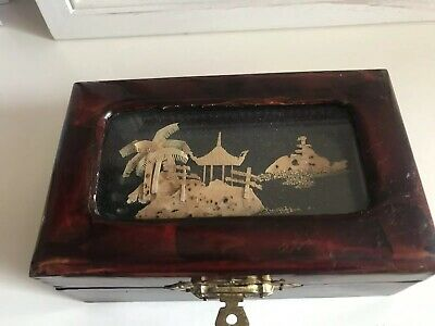 Vintage Japanese East Asian style trinket box Red Lining Lacquered Pattern