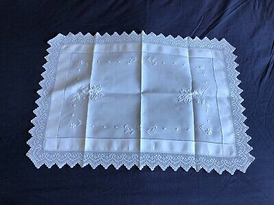 Edwardian Vintage White Linen Butlers Tray Cloth Crocheted Edging & Embroidery A