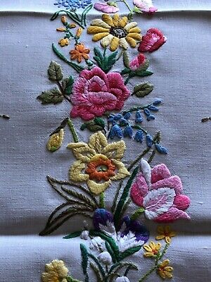 Awesome Vintage Flora Hand Embroidered Small Square Cream Irish Linen Tablecloth
