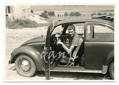 STUDLY young man in Open-Door VW VOLKSWAGEN BEETLE Car* old AUTOMOBILE Photo