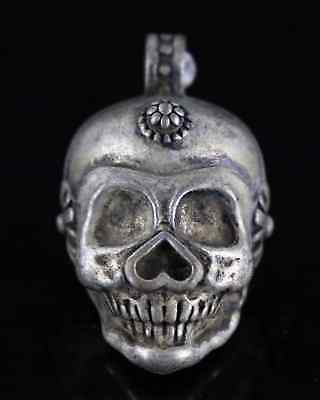 Collect China Old Tibet Silver Hand Carve Vicious Skull Exorcism Decor Pendant