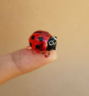 Adorable Red Lady bug Hand Blown Glass Miniature Figurine Handcraft Collectible