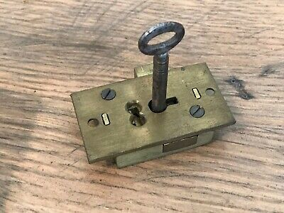 Brass 2 Lever Cut Cabinet Cupboard Door Lock With Key 2