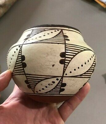 "MLC s3236 Painted Acoma 4 3/4""  X 4"" Solid Pot Pottery NM/Arz"