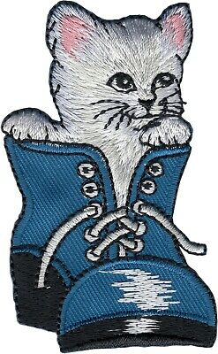 16227 White Cat Flipping Off Funny Birds Kitty Embroidered Sew Iron On Patch
