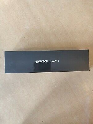 Apple Watch Series 4 Nike+ 40 mm Silver Aluminum Case with Pure Platinum/Black …