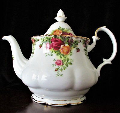 "ROYAL ALBERT   ""Old Country Roses""   Medium Teapot  5-6 Cup Capacity 1st Quality"