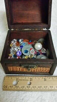 Wooden Pirate Treasure Chest Filled With 144 Gold Coins Jolly Roger Flag /& Map
