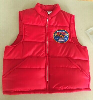Vintage 1877 HESSTON NATIONAL FINALS RODEO Vest Red - Large - BULL RIDER Patch