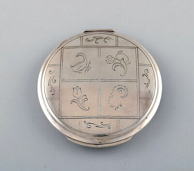 Harald Nielsen for Georg Jensen. Art deco powder box with mirror