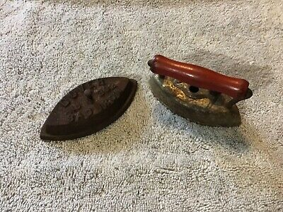 Antique Toy Dover Sad Cast Iron and Cover #902 with Wooden Handle
