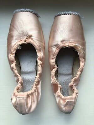 Dead well-worn Ballet Pointe Shoes Pink Dance Decor Crafts Used