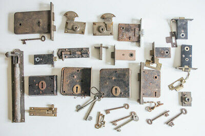 Job Lot of Vintage Locks, Keys, Bolts, Latches Etc – Architectural Salvage