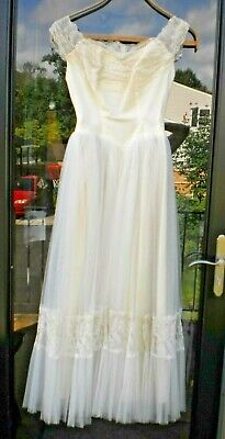 Vintage 40s 50s Lace Fitted Wedding Dress Gown Full Skirt Tulle Petite