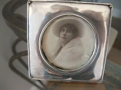 EDWARDIAN SILVER HALLMARKED PHOTO FRAME - William Vale & Sons 1915/16