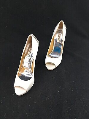 d49af81f2 Badgley Mischka White Peep Toe Pumps With Bedazzled Heel Size 8.5 A3526 OOS