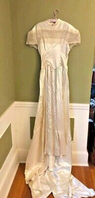 Antique,Vintage Wedding Dress with Veil, sleeves and Second Veil ..Estate Sale