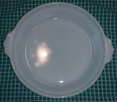 """Vintage Pyrex 228 White Milk Glass Pie Plate 8 1/2"""" Fluted Edge Style FREE S/H"""