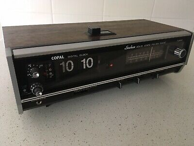 Copal Vintage Flip Clock Radio AM/FM Woodgrain Finish Saehan Model RD-150