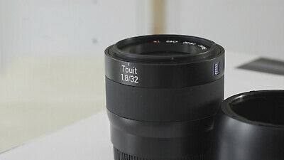Zeiss Touit 32mm f/1.8 Planar AF Lens for Sony E Mount USED