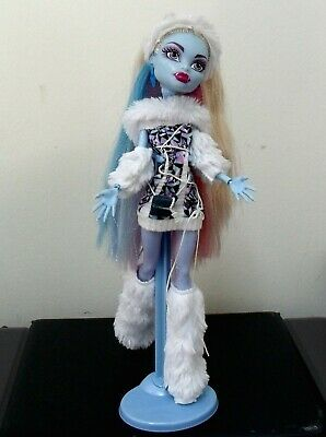 First Wave Abbey Bominable Doll with Wooley Mammouth Shiver clothes/stand