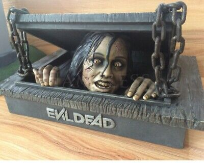 The Evil Dead Blu-ray 2013 Extended Unrated cut with  Figure Box  BRAND NEW