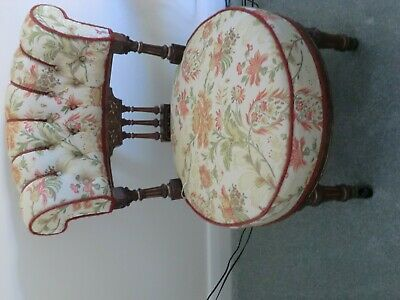 ANTIQUE Occasional Walnut and parcel gilt button-back Chair